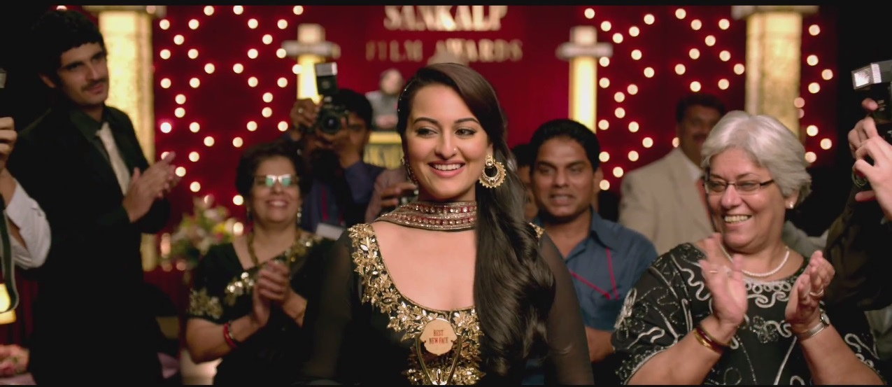 Sonakshi Sinha Smiling in Once Upon a Time in Mumbaai Again (2013) bollywood movie