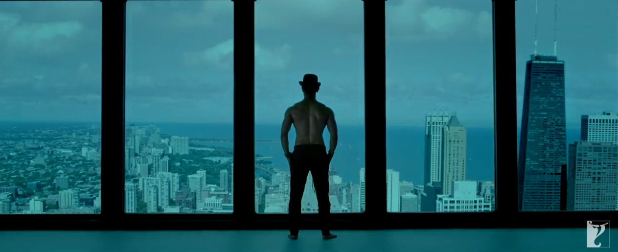 Amir Khan with his huge Muscles in Teaser Trailer of Dhoom 3