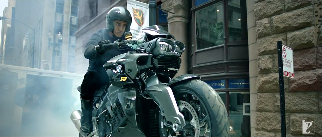Bike Stunt Of Amir Khan In Dhoom 3 Teaser Trailer